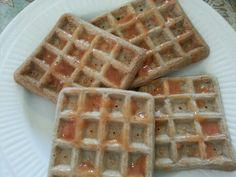 My breakfast today: Whey Waffles!!!  - 3 egg whites (I used 5 whites, more protein) -1 scoop of chocolate whey protein powder - 1/2 cup rolled oats - 1/2 tsp of vanilla - 1/2 tsp baking soda - Dash of salt Makes 4 waffles filled with protein and yumy! ♡