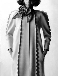 scalloped wool coat.. seams sewn out ...tooooo cute! Petit Lu.