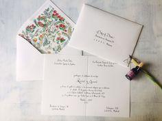 Invitación de boda caligrafiada y con el forro del sobre diseño en acuarelas de EL TINTERO