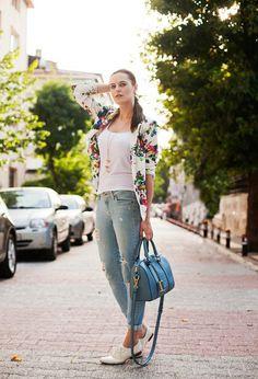 22 Ways To Wear Your Floral Blazer This Spring - Fashion Diva Design