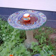 mosaic birdbath from small satellite dish by kweenofkings