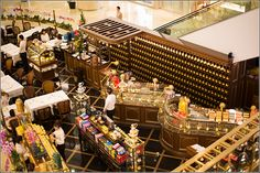 Singapore – Shopping at Orchard Road Singapore – ION Center Tea department – Asia