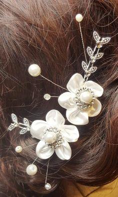 Bridal Hair Flowers, Silk Flowers, Fabric Flowers, Flower Hair, Silver Accessories, Bridal Hair Accessories, Corsage Wedding, Pearl Hair Pins, Wedding Hair Pins