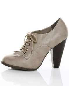 Im becoming increasingly obsessed with Oxford heels.   Cant wait to get a pair