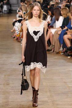 Chloé Fall 2015 Ready-to-Wear Fashion Show - Lina Berg (OUI)