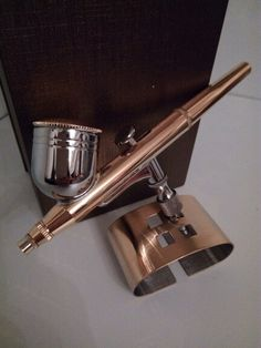 Airbrushpistole, teilvergoldet 24 Karat. Made by Gold Custom. Vergoldung in Perfektion