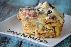 This Cinnamon Roll Bread Pudding is this BEST and can be put together in a matter of minutes. I ordered my cinnamon rolls from my grocery s Old Fashion Bread Pudding Recipe, Cinnamon Bread Pudding Recipe, Pudding Recipes, My Dessert, Dessert Ideas, Dessert Recipes, Desserts, Old Fashioned Bread Pudding, Dessert