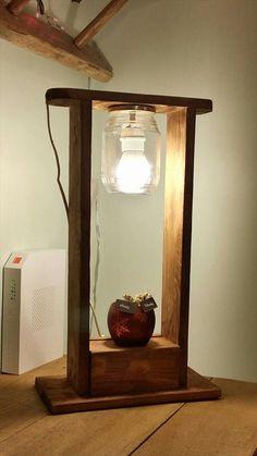 Pallet Wood and Mason Jar Lamp | Pallet Furniture DIY