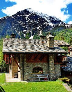 COURMAYEUR (Valle d'Aosta) - Italy - by Guido Tosatto