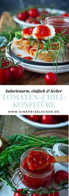 Diese Tomaten-Chili-Konfitüre löst wahrlich eine absolute Geschmacksexplosion aus. Süße Tomaten, scharfer Chili, würziger Knoblauch und ein Hauch Ingwer sorgen hier für eine runde Mischung aus verschiedenen, sich jedoch wunderbar ergänzenden Aromen.