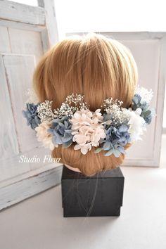 アジサイとカスミソウのヘアーパーツ Silk Flower Bouquets, Silk Flowers, Crown, Jewelry, Flowers, Corona, Jewlery, Bijoux, Jewerly