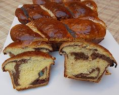 Cozonac cu nuca si rahat Romanian Food, Pastry And Bakery, Better Life, French Toast, Muffin, Cooking Recipes, Breakfast, Cake, Sweets