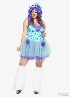 Update: Looking for Halloween 2016 costumes? Check out these nerdy plus size costumes, these festive plus size Halloween leggings, plus size costumes in sizes and these fat positive Halloween costume ideas! For curvy women on Halloween,… Pirate Halloween Costumes, Couple Halloween Costumes For Adults, Halloween Leggings, Costumes For Teens, Cute Costumes, Adult Costumes, Halloween Ideas, Costumes For Teenage Girl, Girl Group Costumes