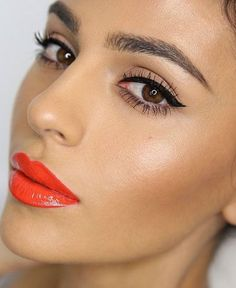 The best bright lipstick and glowing makeup inspiration on www.ddgdaily.com
