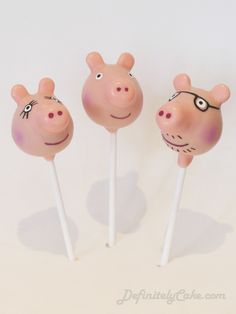 Peppa Pig Cake Pops. Peppa, Mummy and Daddy Pig.