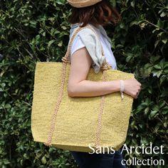 Sans Arcidet(サンアルシデ)で人気の定番ラフィアトートバッグ「BEBY BAG LARGE MA H」。 どんなスタイルにも馴染みやすく、夏のお出かけにピッタリのバッグです。 #sansarcidet #サンアルシデ #かごバッグ #BEBYBAG #ラフィア #トートバッグ #tasutasu