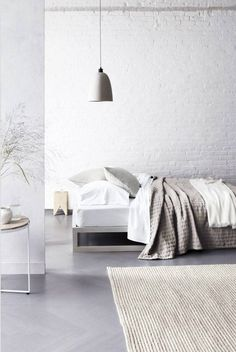 Most Design Ideas White Minimalist Bedroom Wood Floor Pictures, And Inspiration – Modern House Bedroom Wood Floor, Bedroom Carpet, White Bedroom, Master Bedroom, Shabby Chic Bedrooms, Trendy Bedroom, Home Office, White Brick Walls, Grey Flooring