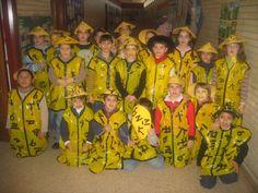 Disfraz de chinito con bolsa de basura de color amarilla de plástico  | http://www.multipapel.com/subfamilia-bolsas-disfraces-educacion-infantil-pequenas.htm