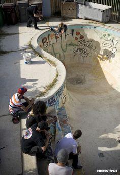 Surf and Skate Estilo Cholo, Skate And Destroy, Skater Boys, Skate Surf, Skate Ramp, Skate Style, Longboarding, Teenage Dream, Grunge