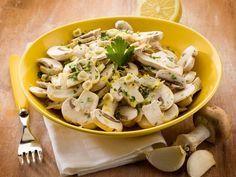 champignon de Paris, yaourt nature, ciboulette, échalote, ail, poivre, sel