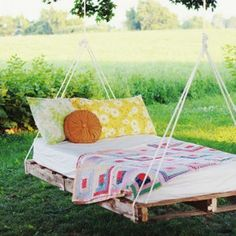 palette chaise | Home: Exteriors & Yards | Pinterest