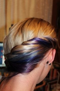 Blue and purple highlights, very cool, but I prob couldn't pull it off!