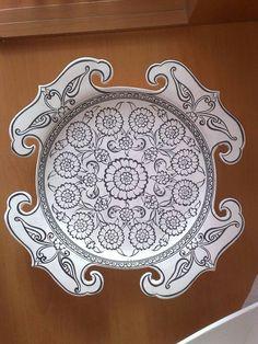 Çini Ceramic Tile Art, Ceramic Plates, Decorative Plates, Metal Embossing, Persian Motifs, Turkish Design, Turkish Tiles, Pottery Plates, Sketch Painting