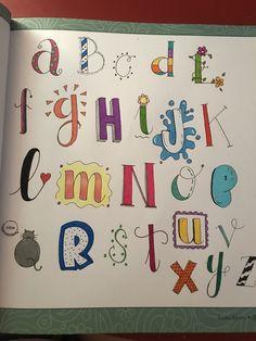 Alphabet Doodle, Doodle Art Letters, Easy Doodle Art, Alphabet Writing, Hand Lettering Alphabet, Doodle Art Journals, Doodle Lettering, Creative Lettering, Journal Fonts