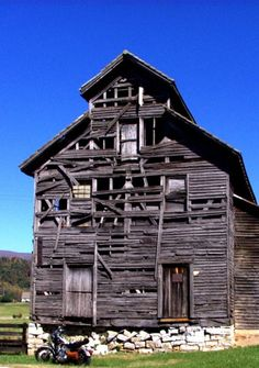 Very Old Tobacco Barn
