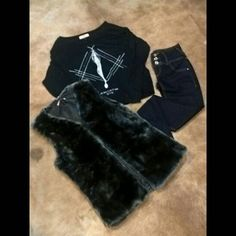 Dica dos dias dos namorados. #t-shirt #colete #jeans #lezalez #colcci #valentineday #loveisintheair #ynfinitymultimarcas by ynfinitymultimarcas