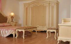 Kendi grubunda yer alan Arda Yemek Odası ile aynı konsepte sahip olan klasik yatak odası, antik krem ve altın varak uygulamaları ile yatak odalarınıza ferahlık ve asalet kazandıracak. http://www.asortie.com/yatak-odasi-135-Arda-Klasik-Yatak-Odasi