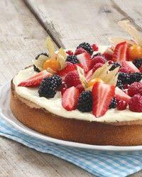 Nydelig mandelkake med bær, helt uten hvetemel og sukker
