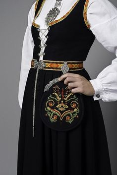 Embroidery On Clothes, Embroidery Dress, Folk Costume, Costumes, Norwegian Clothing, Bridal Crown, Historical Costume, Classy And Fabulous, Character Design Inspiration