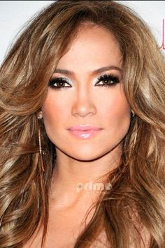 New makeup wedding latina jennifer lopez Ideas Jennifer Lopez Sans Maquillage, Jennifer Lopez Makeup, Jennifer Lopez Hair Color, Maquillage Jlo, Jlo Makeup, Jlo Glow, Look Star, Corte Y Color, Pretty Makeup
