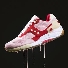 Saucony G9 Shadow 5000: Strawberry/Vanilla