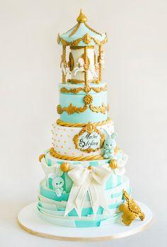 Caruselul copilariei este un tort creat cu mult drag pentru un baietel drag noua, Tudor Stefan, care a avut parte de o petrecere a botezului unde eleganta a fost pe primul plan.  Tortul se poate realiza pentru minim 2 etaje (6 kilograme). Tudor, Cake, Pie Cake, Pastel, Cakes, Cookie