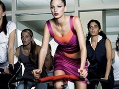 Strength-train before doing any cardiovascular work, says Ken Fitzgerald, owner of Lift Gym in New York. Why? It takes the body about 15 minutes to warm up and start burning fat. So, a 30-minute bike ride is really only burning fat for the last 15 minutes of your workout. But, if you lift weights first, your body is warmed up by the time you hit the bike, and youll burn fat throughout the entire ride. workout