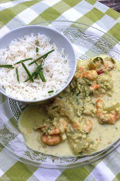 Curry de camarão e castanha de caju