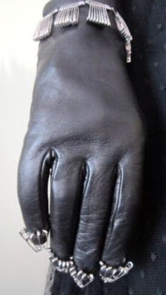 NWT Moschino Cheap&Chic Black Leather Fashion Gloves Silk LinedSize 7 Italy | eBay