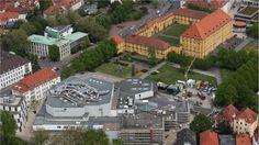 Luftaufnahme von Osnabrückhalle, dem Hotel Arcona Living, Schloss und Industrie- und Handelskammer (IHK) in Osnabrück, aufgenommen am 10.05.2016. Foto: David Ebener