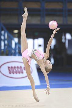 Yana KUDRYAVTSEVA (RUS) Ball