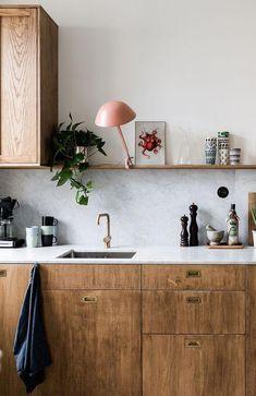 Kitchen in marble and wood Kitchen Interior Design Kitchen marble Wood Modern Kitchen Design, Interior Design Kitchen, Kitchen Contemporary, Contemporary Garden, Home Decor Kitchen, New Kitchen, Kitchen Ideas, Kitchen Wood, Awesome Kitchen
