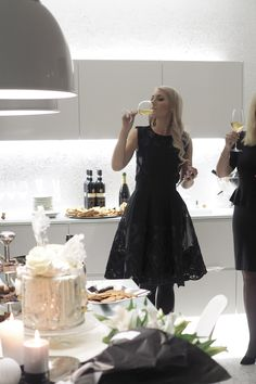 C and the city - The most stylish birthdayparty - champagne, lilies and cake! - more pics and ideas on the blog: http://www.idealista.fi/charandthecity/2016/11/27/talven-tyylikkaimmat-juhlat