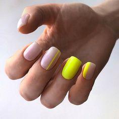 Nail art Christmas - the festive spirit on the nails. Over 70 creative ideas and tutorials - My Nails Summer Gel Nails, Spring Nails, Fall Nails, Neon Nails, My Nails, Neon Yellow Nails, Neon Nail Art, Nail Polish Designs, Nail Art Designs