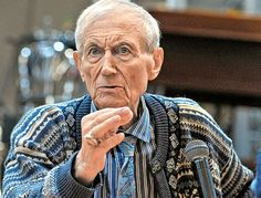 Yevgeny Yevtushenko(1933 - 2017), died at age 83 years: was a Soviet and Russian poet. He was… #people #news #funeral #cemetery #death