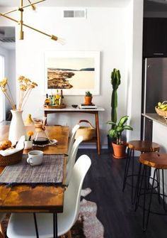 A key trend for this year is a laid-back desert vibe, with over-sized cacti and house plants, warm colours, layered textiles and National Geographic style photographic art. One of our Top 10 Interior design trends for 2017 | The Maker Place