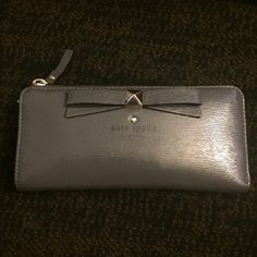 💥Price Drop💥Kate spade beacon court wallet Like new Kate spade wallet.. I also have the matching bag check my profile 😁 kate spade Accessories