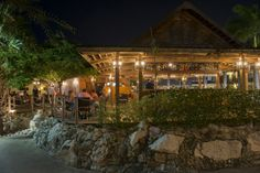 Restaurant #Piazza #Lionsdive #mediterranean available for lunch and dinner