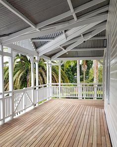 A warm Halloween on the newly oiled and painted deck. Day into Night.(First pic unoiled.wish you could keep it like this) No trick or treaters when you live on acreage. Queenslander House, Weatherboard House, Wall Exterior, Exterior Design, Veranda Railing, Beach House Deck, Front Verandah, House Goals, Brisbane