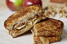 Grilled cheese aux pommes et oignons vidalia